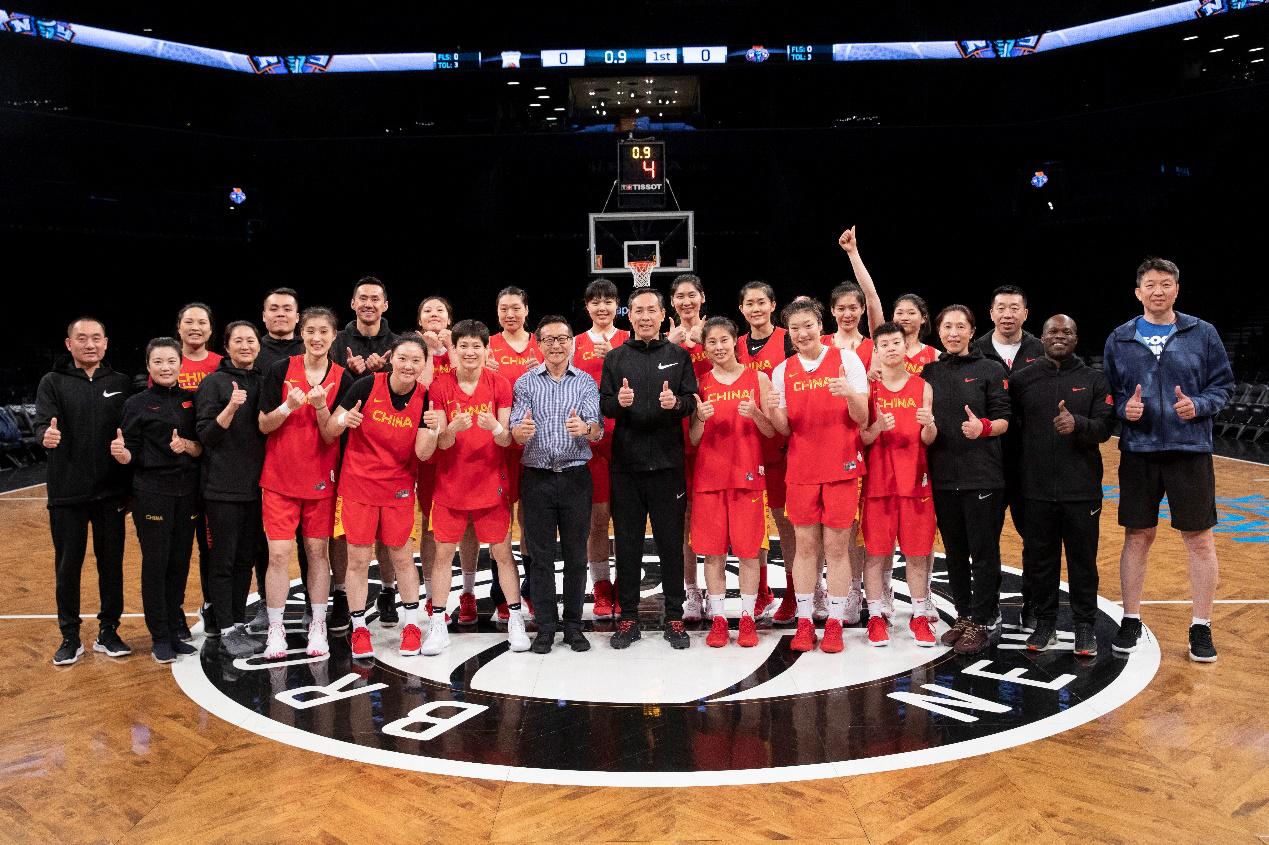 中国女篮与纽约自由人友谊赛上演,蔡崇信:希望促进中美体育文化交流与理解