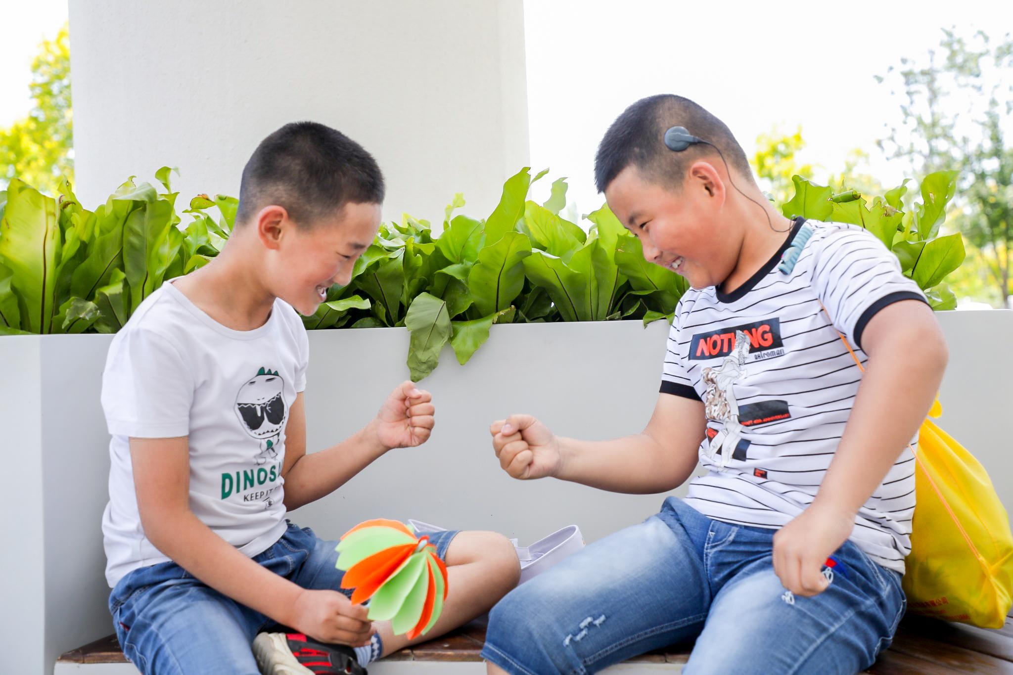 """四位耳蜗宝宝齐聚北京,过了一个特殊的""""动听""""儿童节"""