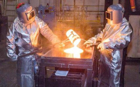 支持美国制造业,苹果奖励供应商康宁2.5亿美元