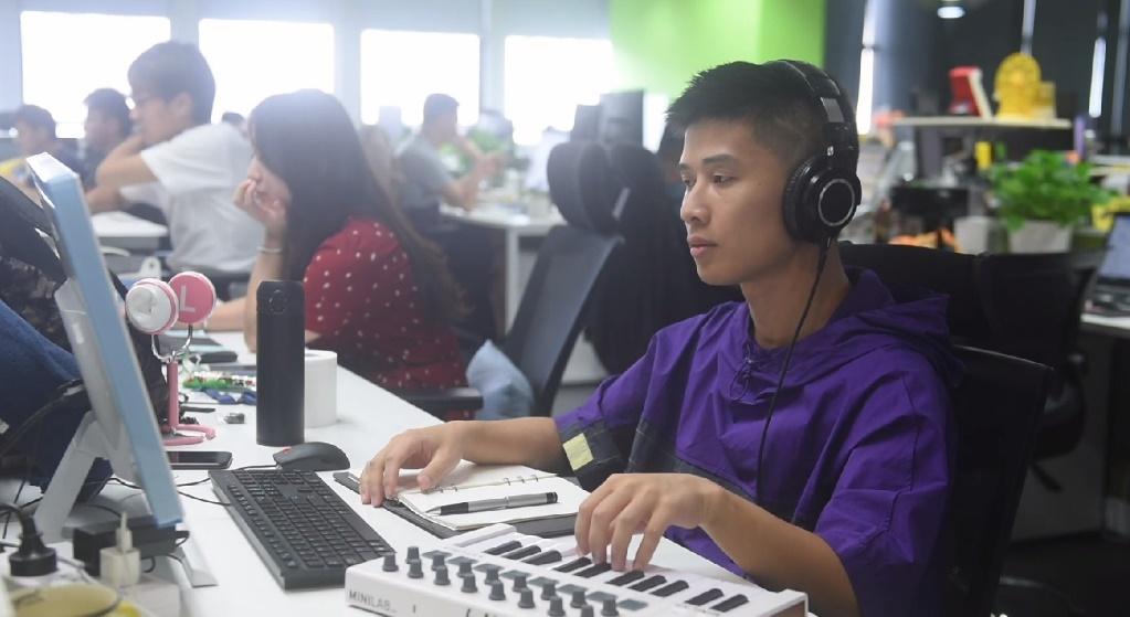 吉他手转型程序员 他把一个人的音乐梦做成一群人的音乐狂欢
