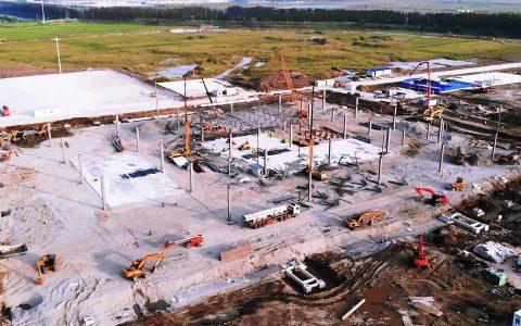 特斯拉上海工厂二期建设加速 充电站等设施渐成形