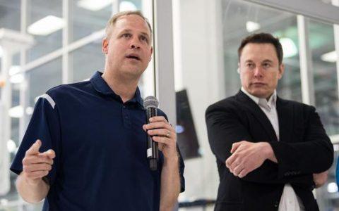 SpaceX载人航天还剩两大难题:中止发射和伞降