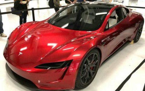 马斯克:特斯拉将推迟交付新款Roadster跑车