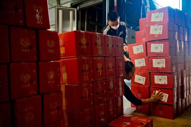拼多多响应政府工作报告:备受鼓舞 日均物流包裹数已超过6500万个