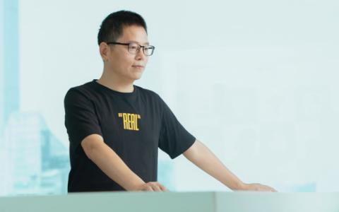 彭博社专访realme CEO 李炳忠:如何打造全球成长最快手机品牌